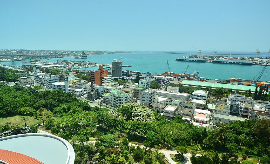 那覇港と海が一望できる眺望