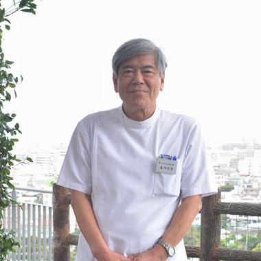介護老人保健施設ぎのわんおもと園 施設長 嘉川 宗秀