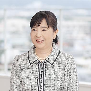 沖縄看護専門学校 学校長 金城 美智子
